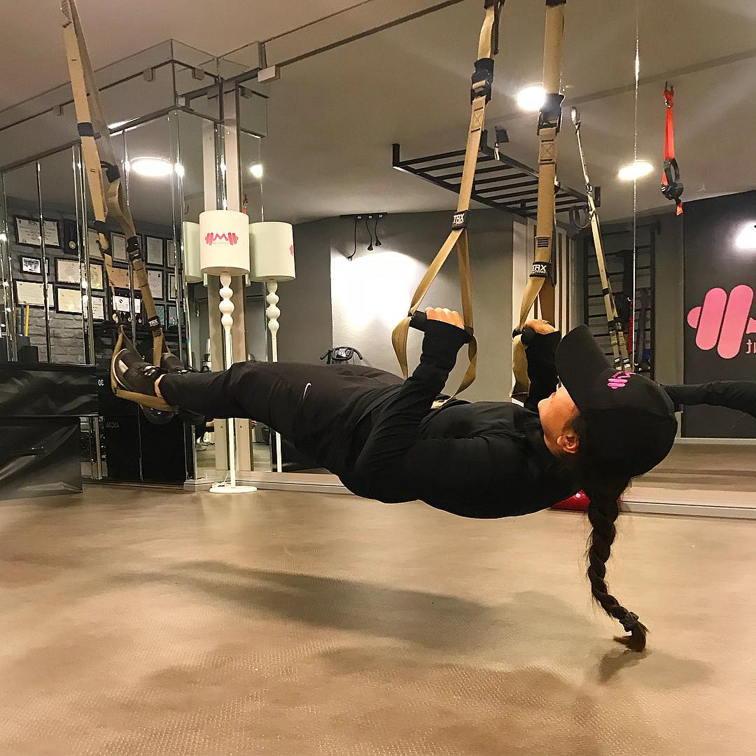 بیوگرافی مونا کاکاوند قهرمان کاراته جهان +همسر و اینستاگرام