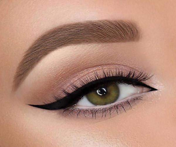 ترفند آرایشی برای درشت نشان دادن چشم ها