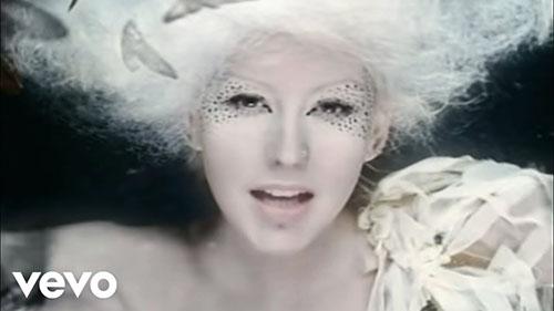 دانلود آهنگ Fighter از Christina Aguilera کریستینا آگیلرا