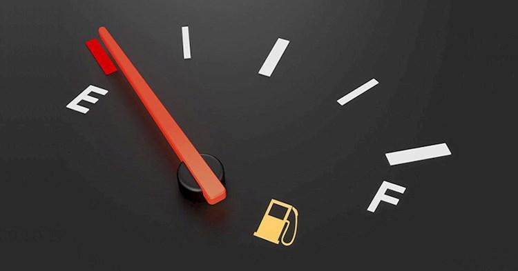 رانندگی با باک با بنزین کم چه عواقبی به همراه دارد؟