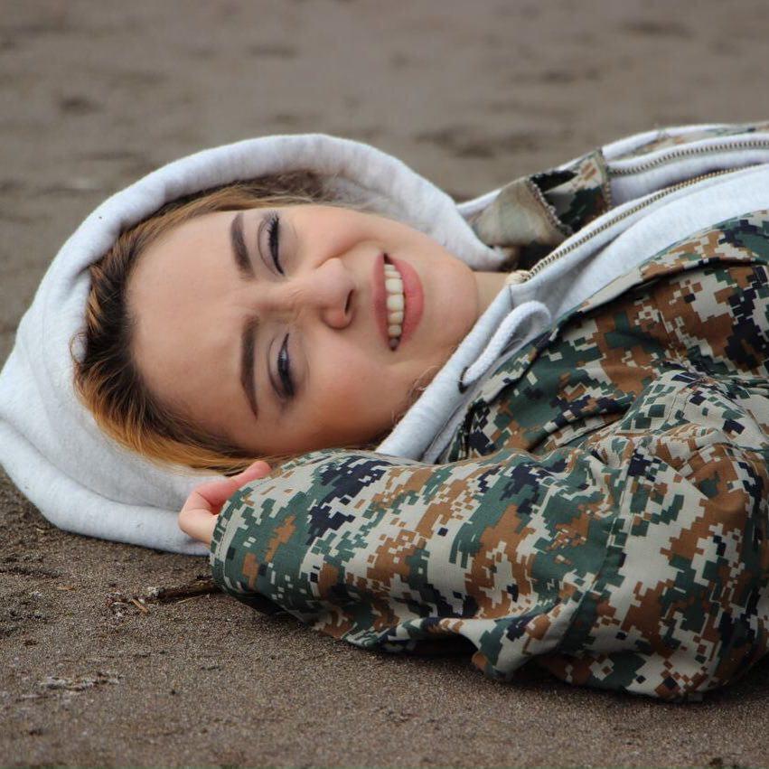 بیوگرافی مهتاب اکبری بازیگر +عکسهای اینستاگرام