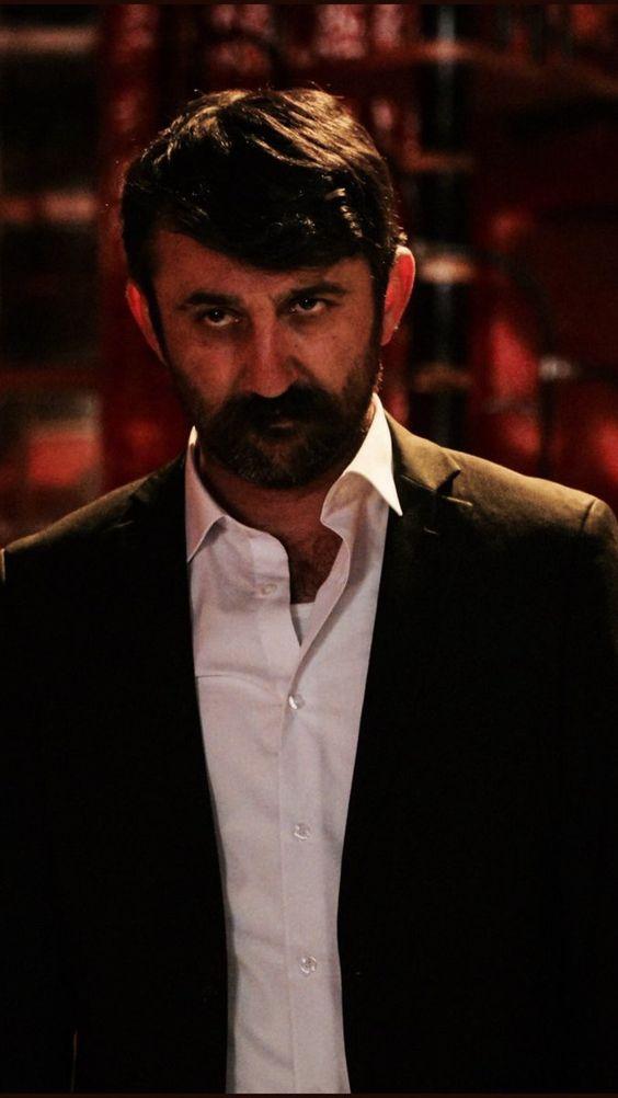 بیوگرافی بازیگران سریال ترکی گودال Çukur چوکور (خلاصه داستان)
