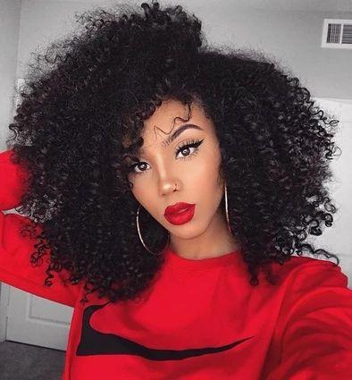 مدل ارایش چشم و صورت با لباس قرمز