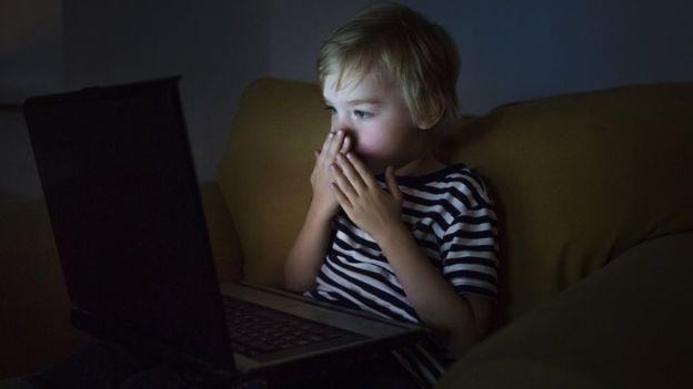 اینترنت و کودکان ، راهنمایی های مفید برای والدین