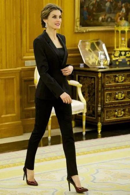 مدل کت شلوار دخترانه مجلسی مد سال 2021