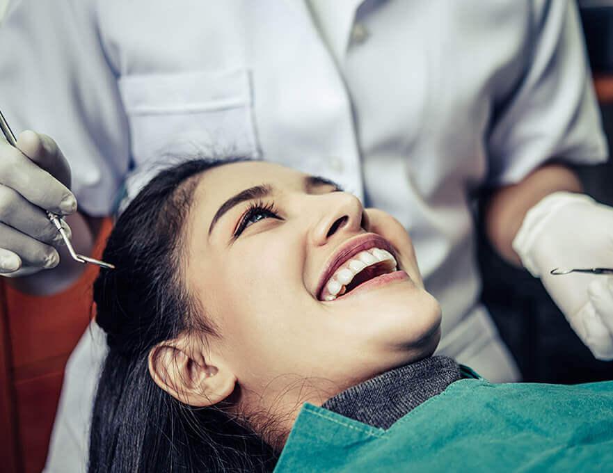 10 بهترین کلینیک دندانپزشکی تهران ، مراکز برتر سال 1400