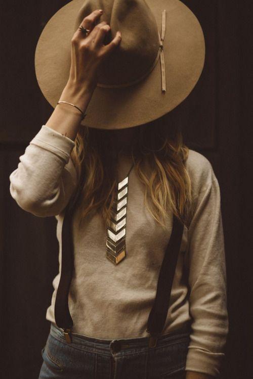 عکس پروفایل دخترونه اسپرت سیاه و سفید