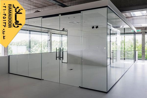کاهش برخوردهای ورود و خروج افراد با استفاده از درب های اتوماتیک شیشه ای